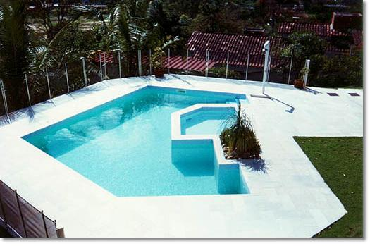 Piscina residencial pendotiba niter i rj for Fotos de piscinas hermosas
